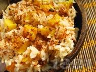 Пело ( Запържено свинско с ориз и ананас )